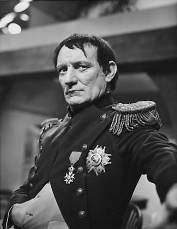 Trevor Howard in Eagle in a Cage